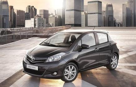 Slider_toyota-yaris_2012_800x600_wallpaper_12