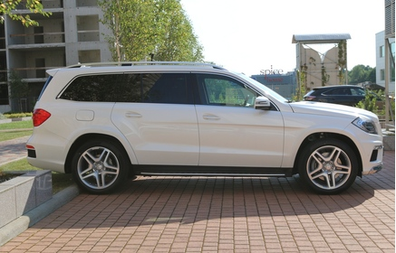 Rent a mercedes benz gl 350 2015 2017 from eur for Where can i rent a mercedes benz