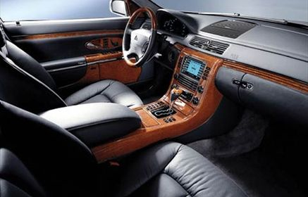 Slider_112_0303_z_252b2003_maybach_62_252bfront_interior_view