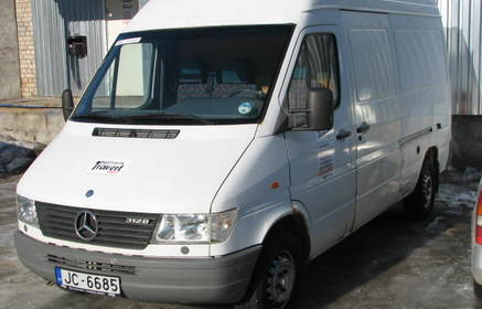 Rent a mercedes benz sprinter 1999 from eur r ga for Where can i rent a mercedes benz