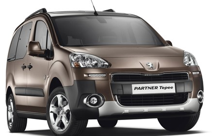 Slider_0294_peugeot_tepee_outdoor_1__0