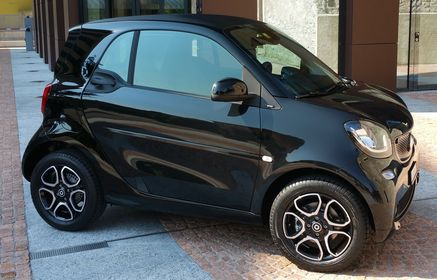 Smart Car Rental >> Rent A Smart Fortwo 2010 From 25 00 Chf Lugano Switzerland