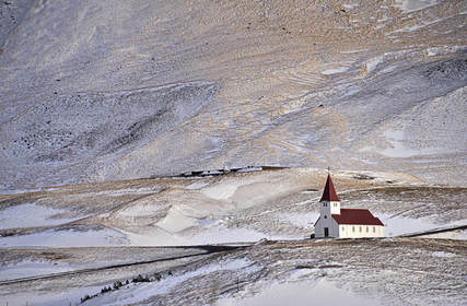 Slider_iceland-church_at_vik