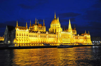 Slider_hungary-parliament